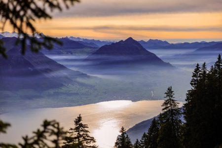 Blick von der Rigi über den Vierwaldstättersee auf das Stanserhorn