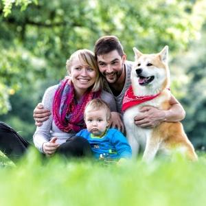 Familienshooting mit Hund und Kleinkind