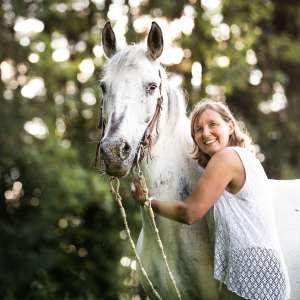 Weisses Pferd Tierfotografie Schweiz Basel